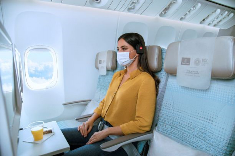 Classe Econômica da Emirates com a nova opção de compra de assentos adjacentes vazios